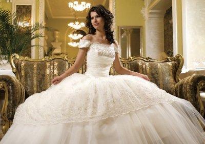 Как выбрать свадебное платье по цвету и ткани