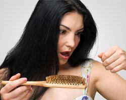 В чем причина выпадения волос