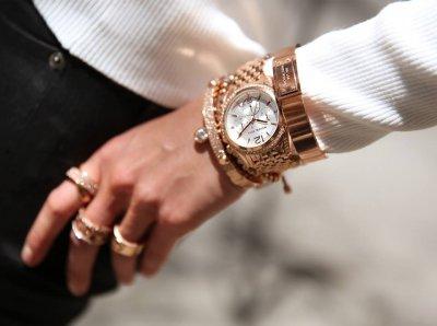 Золотые часы из Daru - аксессуар, который без слов говорит о владельце